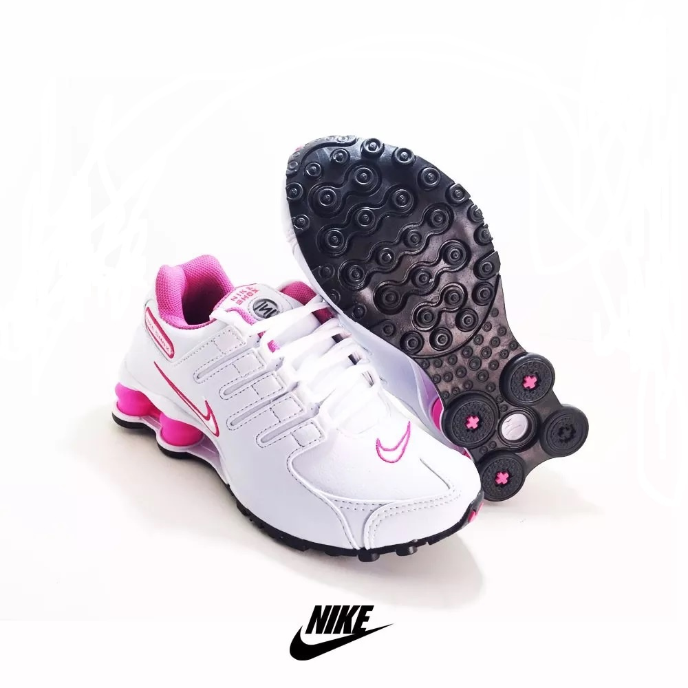 8bc77f6583ce7 Tênis Nike Shox Feminino - LeveShoes