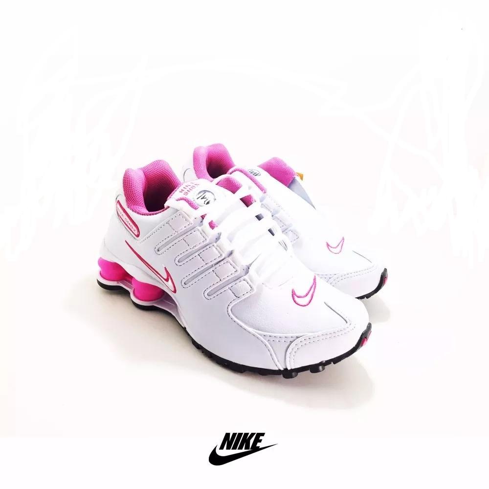 84229a356c4 Tênis Nike Shox Feminino - LeveShoes