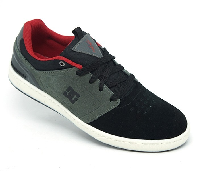 2b74db6e7 Tênis Dc Shoes Cole Signature. Tênis Dc Shoes Cole Signature Masculino  Casual ...