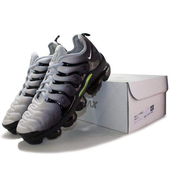 FB IMG 1541075079338 568x568 - Tênis Nike Vapor Max Plus Vm Preto