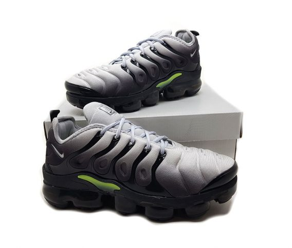 Preto cinza3 568x483 - Tênis Nike Vapor Max Plus