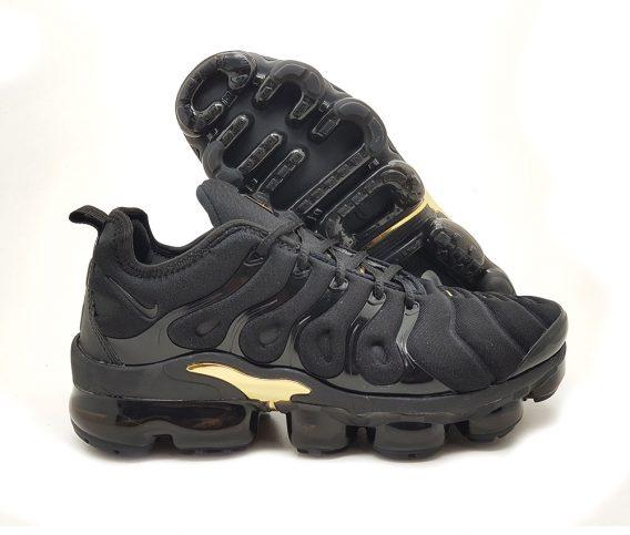 Preto ouro1 568x483 - Tênis Nike Vapor Max Plus