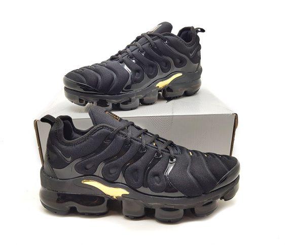 Preto ouro3 568x483 - Tênis Nike Vapor Max Plus