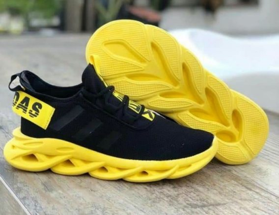 Tenis adidas yeezy 568x439 - Tênis Adidas Ultra Boost